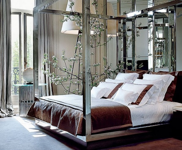 Mirrored glass canopy bed with white and brown lines
