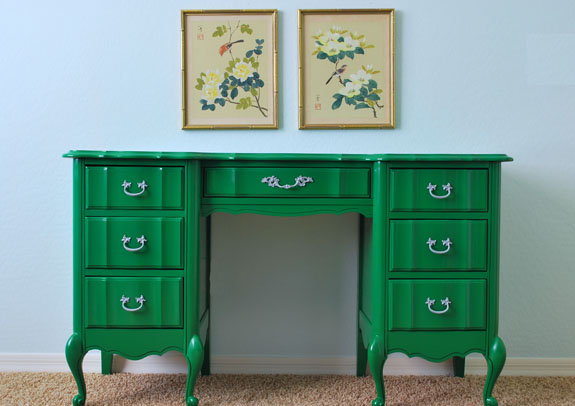 Kelly Green Painted Desk After