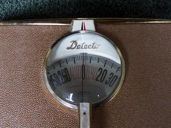 pink vintage detecto scale