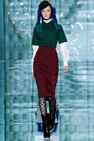 Marc Jacobs Red and green color combo