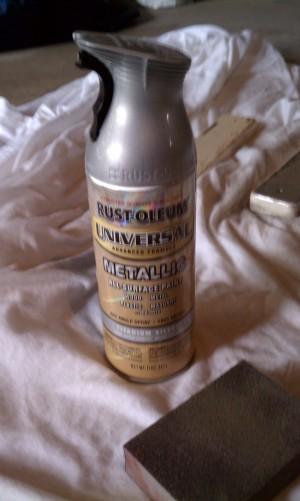 Silver Rustoleum spray paint