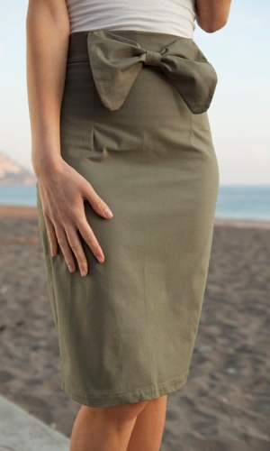 Tess skirt in olive green