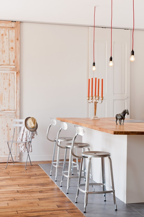 Apartment in Paris Kitchen white and wood